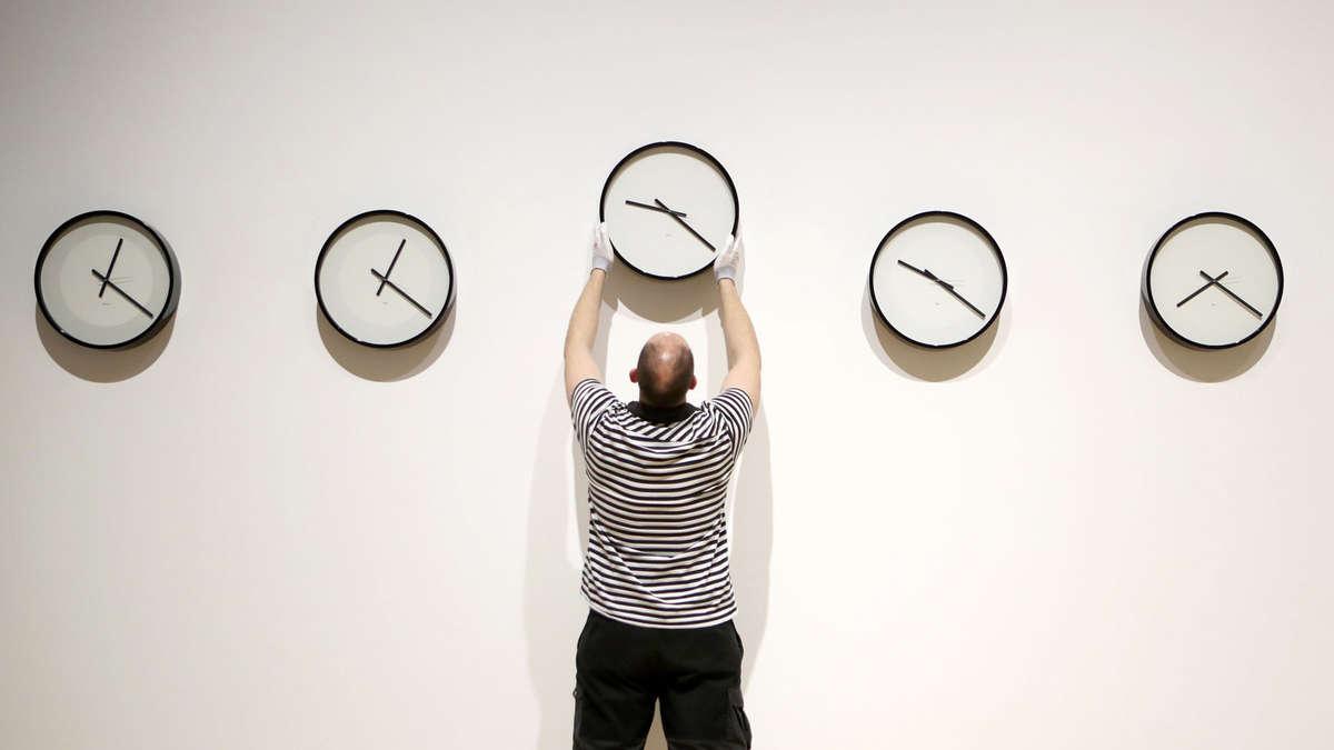 Wird Die Uhr Zurück Oder Vorgestellt