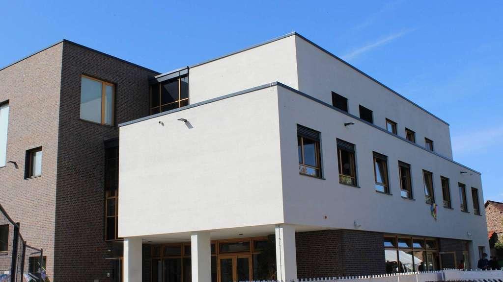 Der Neubau an der Grundschule Langendiebach ist schon seit Anfang des Schuljahres mit Leben gefüllt. Jetzt erfolgte die offizielle Einweihung.